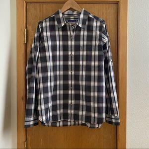 PATAGONIA • Plaid Travel Shirt With Hidden Pocket!